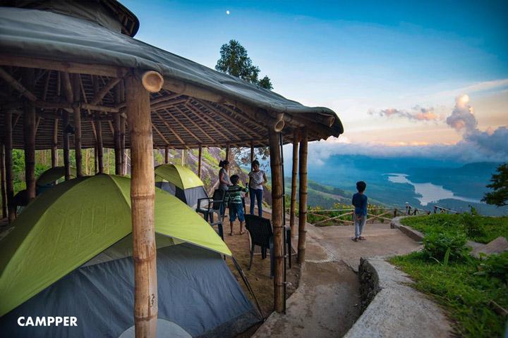 Camp Woody at Anayirangal Valley